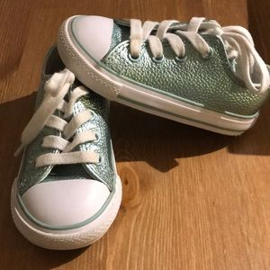 Converse Shoes - Toddler girl converse size 6